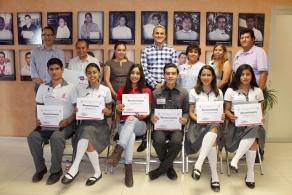 Reconoce el Colegio de Bachilleres a sus estudiantes destacados