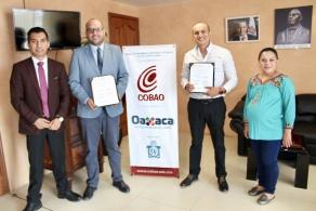 Signan convenio de colaboración el COBAO y la UDLAP