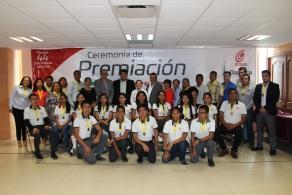 Premian primeros lugares del concurso de conocimientos del COBAO