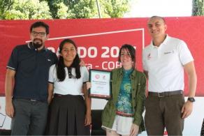 El COBAO recibe con reconocimiento y emoción a la joven escritora Legna Rodríguez Iglesias